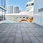 Ocean_Terminal_Extension-Hong-Kong-Foster-Partners-pavimentazione-pietra-sinterizzata-Colosseo-Grigioni