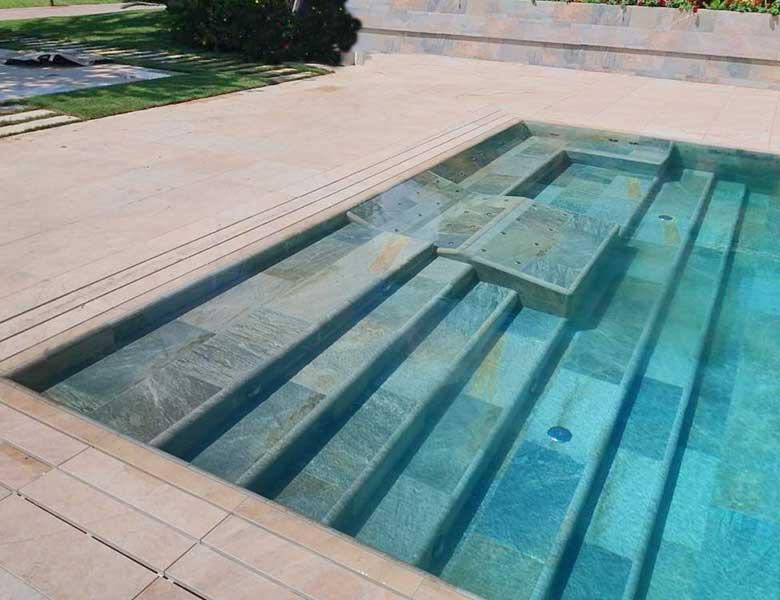 Pavimento in pietra sinterizzata centro benessere Frosinone