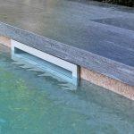 Villa-con-piscina-in-pietra-sinterizzata-L'Altra-Pietra-Harena-Calanca-Light