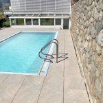 Bolzano-villa-piscina-pietra-sinterizzata-L'Altra-Pietra-Colosseo-Barge