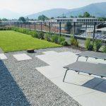 Casa-a-Bergamo-con-terrazza-privata-in-pietra-sinterizzata-L'Altra-Pietra-Harena-Calanca-Light