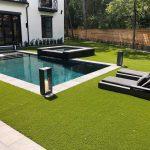 villetta-piscina-texas-pavimentazione-in-pietra-sinterizzata-L'Altra-Pietra-Duomo-Bluestone-Grey