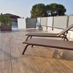 Casa-con-terrazza-Vicenza-pietra-sinterizzata-Outdoor-wood-2-cm-Harena-Holz-Marrone-L'Altra-Pietra-Colosseo-Toscano