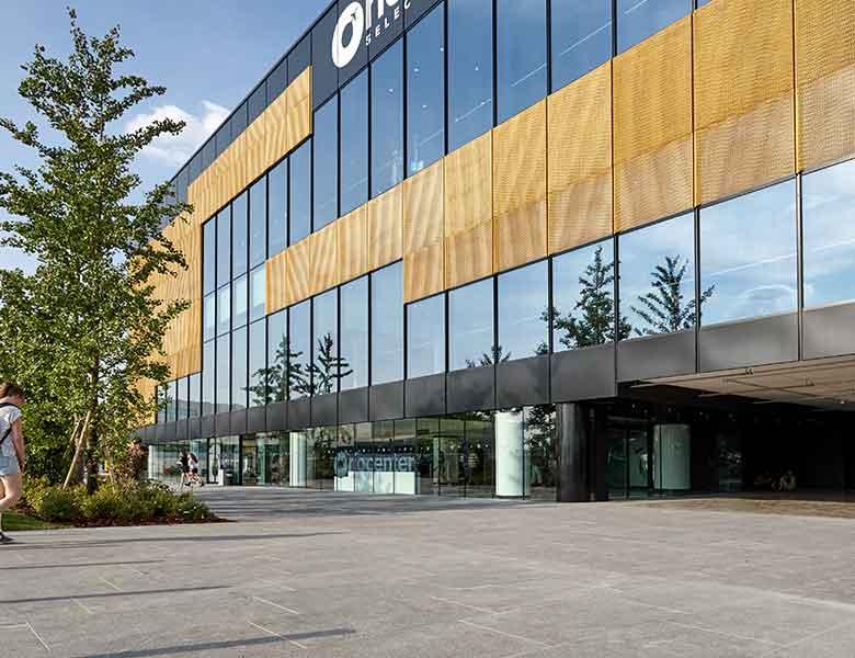 Pietra sinterizzata Orio_Center_shopping_center